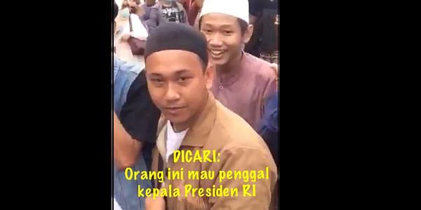 Hasil gambar untuk wajah pendemo bawaslu penggal kepala jokowi